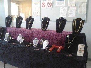 Expo à La Chapelle St Mesmin dans Ambiance Cadou 970869_530984950290249_1369801853_n-300x225
