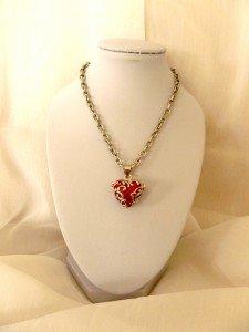 Nouveau pendentif boîte à secrets, coeur émaillé dans Boîtes à secrets p1040945-225x300